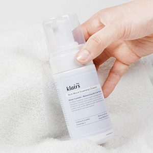 klairs moisturizing cleanser