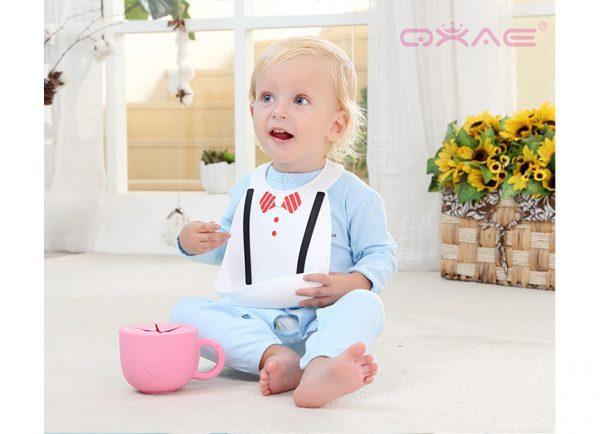 Eazy Kids - 3-D Silicon Designer Bib - Black and White Tie
