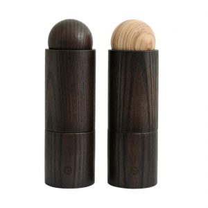 SET OF 2 SALT AND PEPPER SHAKERS